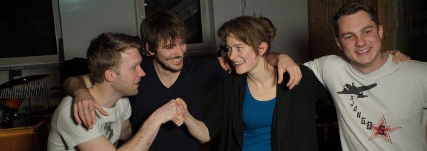 Peter Fischer (Klavier) und Lucie Mackert (Mini-Drumset): I geh heid no ned hoam